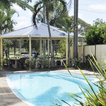 bundaberg motor inn swimming pool