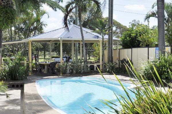 bundaberg motor inn swimming pool